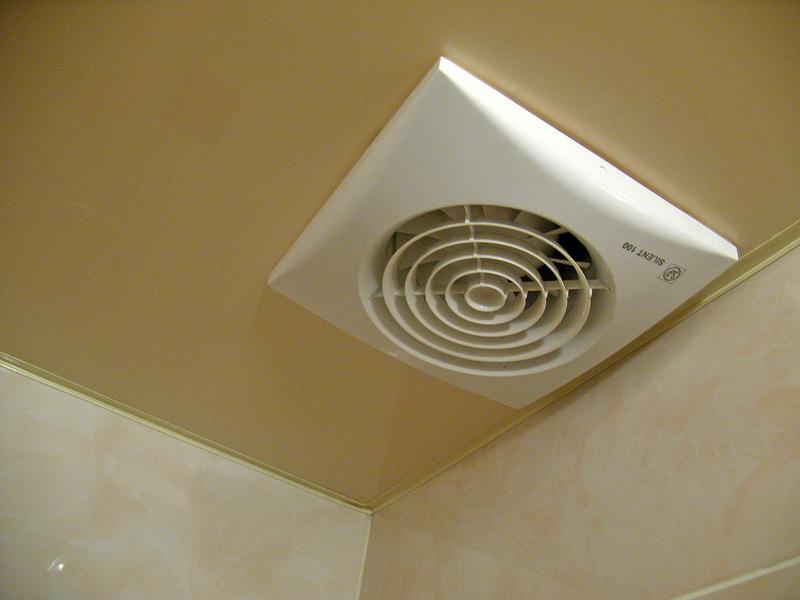 как выглядят вентиляционные решетки для натяжных потолков