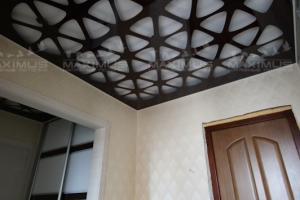 Резной натяжной потолок