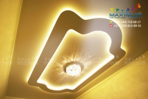 Двухуровневый натяжной потолок со светодиодной подсветкой