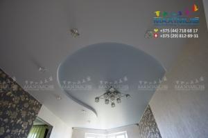 Двухуровневый натяжной потолок волна
