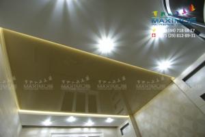 Двухуровневый Потолок со светодиодами